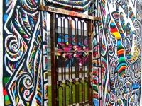 Mur Berliński - furtka na zachodnią stronę