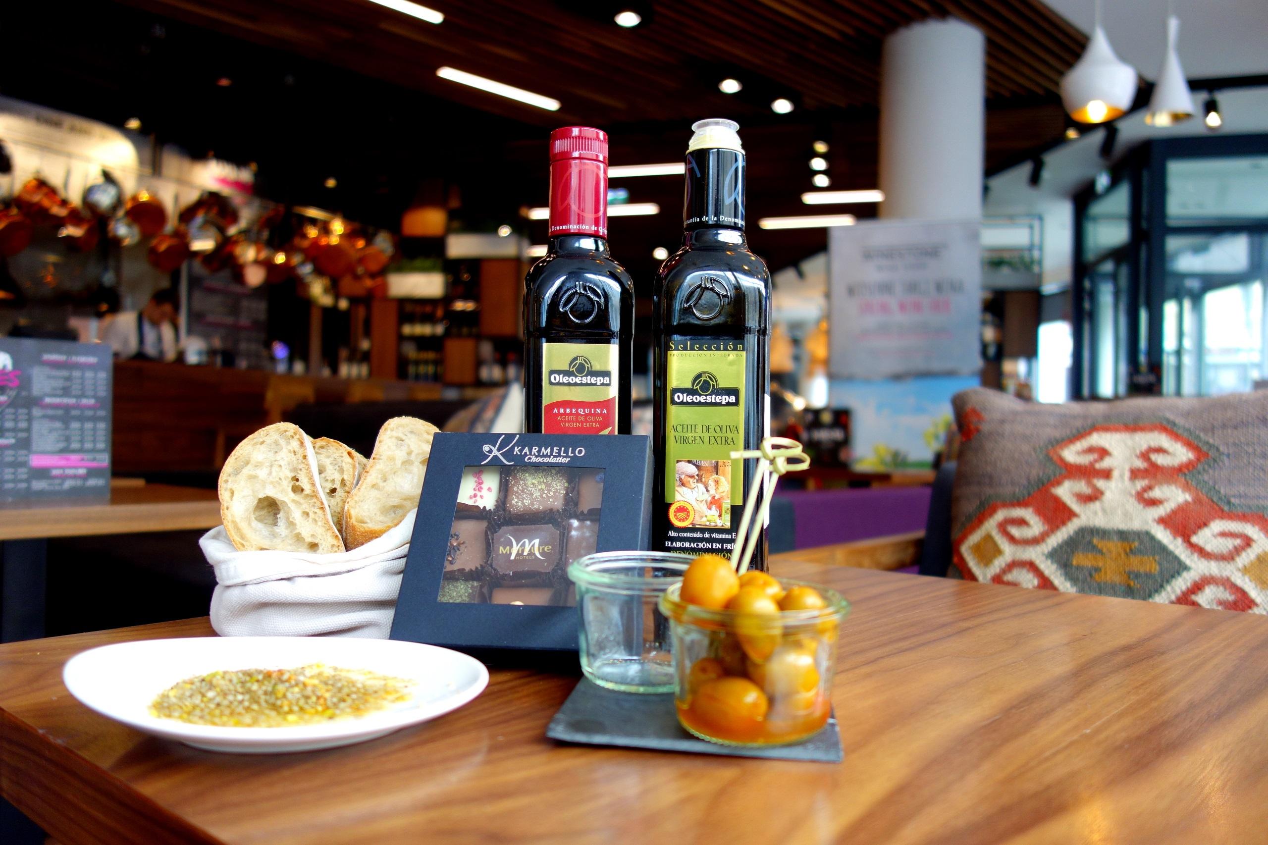 Dukkah (czyt. duka), oliwa oraz chleb - Mercure Kraków Stare Miasto