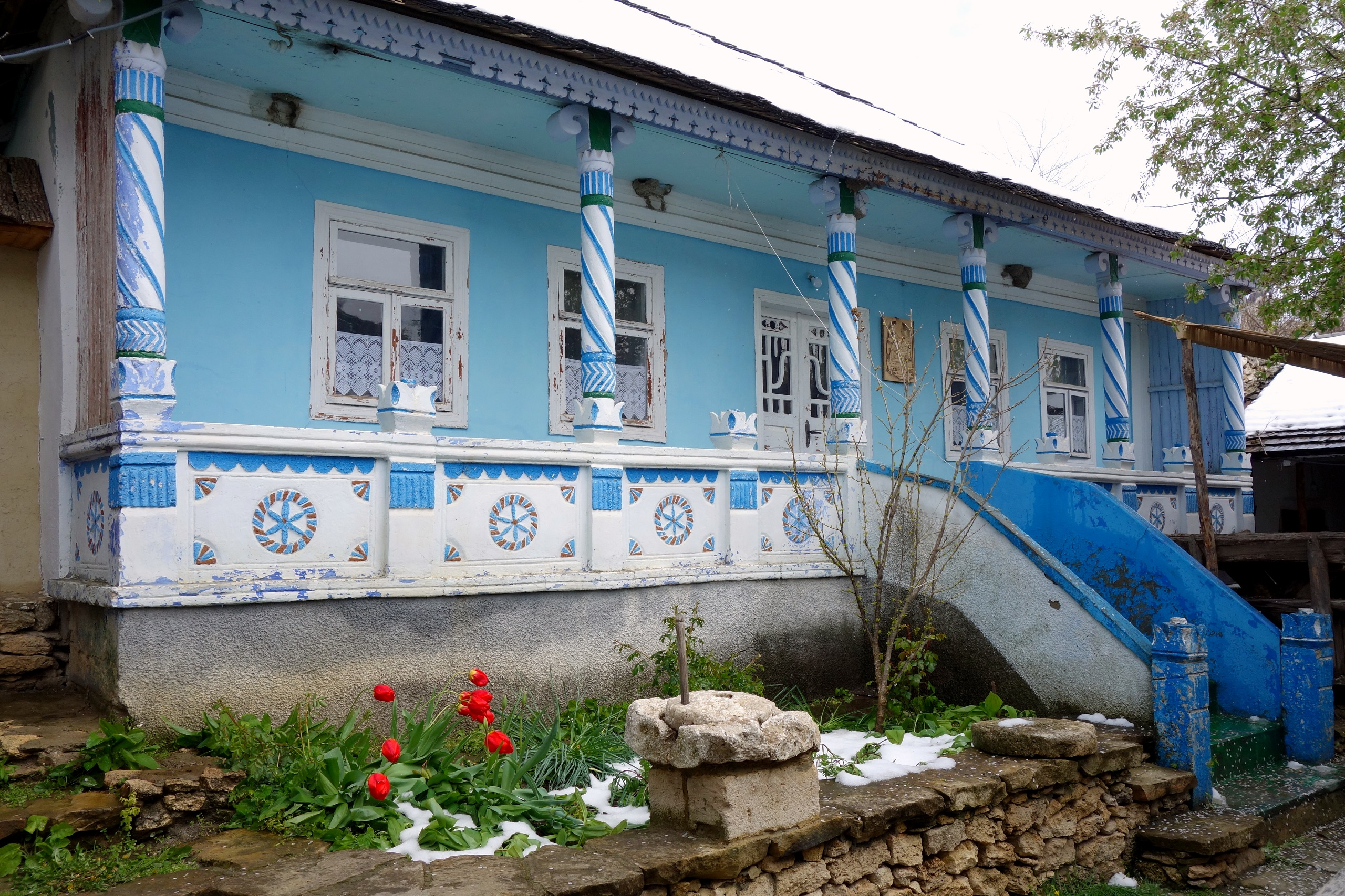 Butuceni, Mołdawia - kolorowa chata