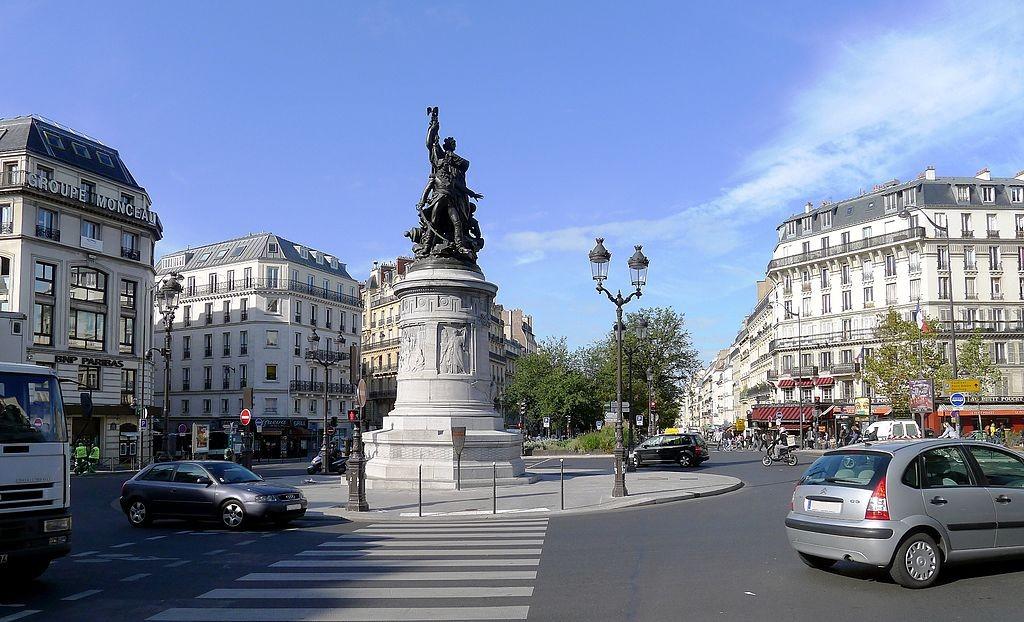 1024px-P1040791_Paris_VIII-IX-XVII-XVIII_place_de_Clichy_rwk