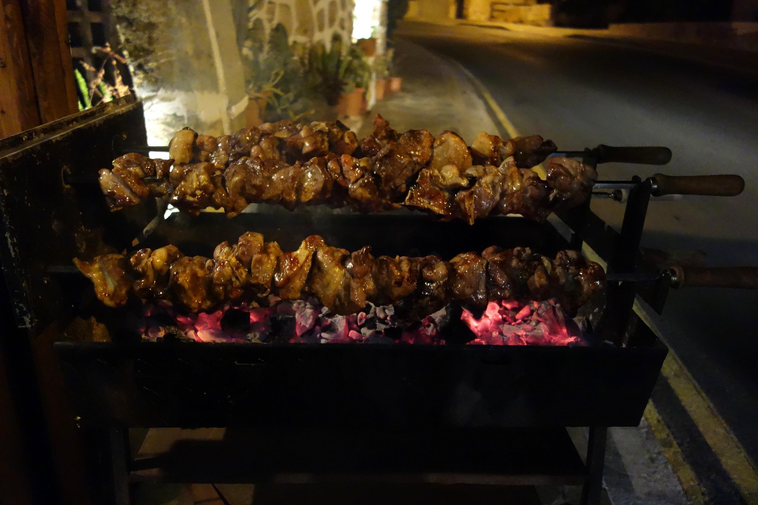Souvla - mięso przygotowywane na grillu