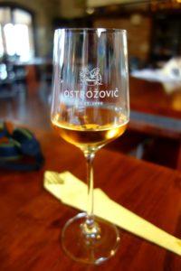 Słowacki tokaj - piękny złoty kolor
