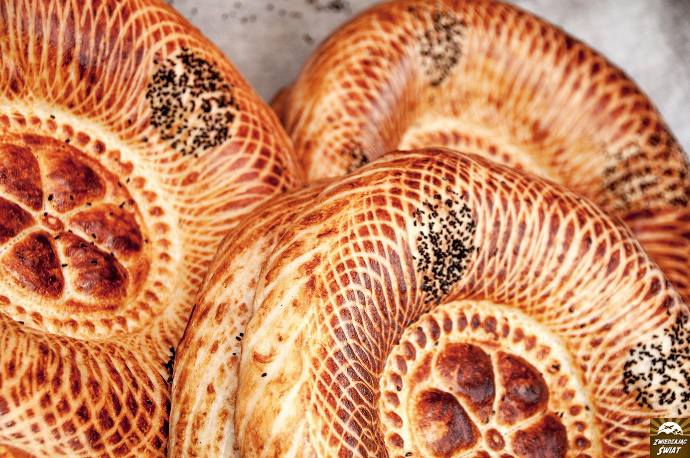 Uzbekistan - lepioszki - kuchnie świata. Autorka zdjęcia: Marta Wójciak