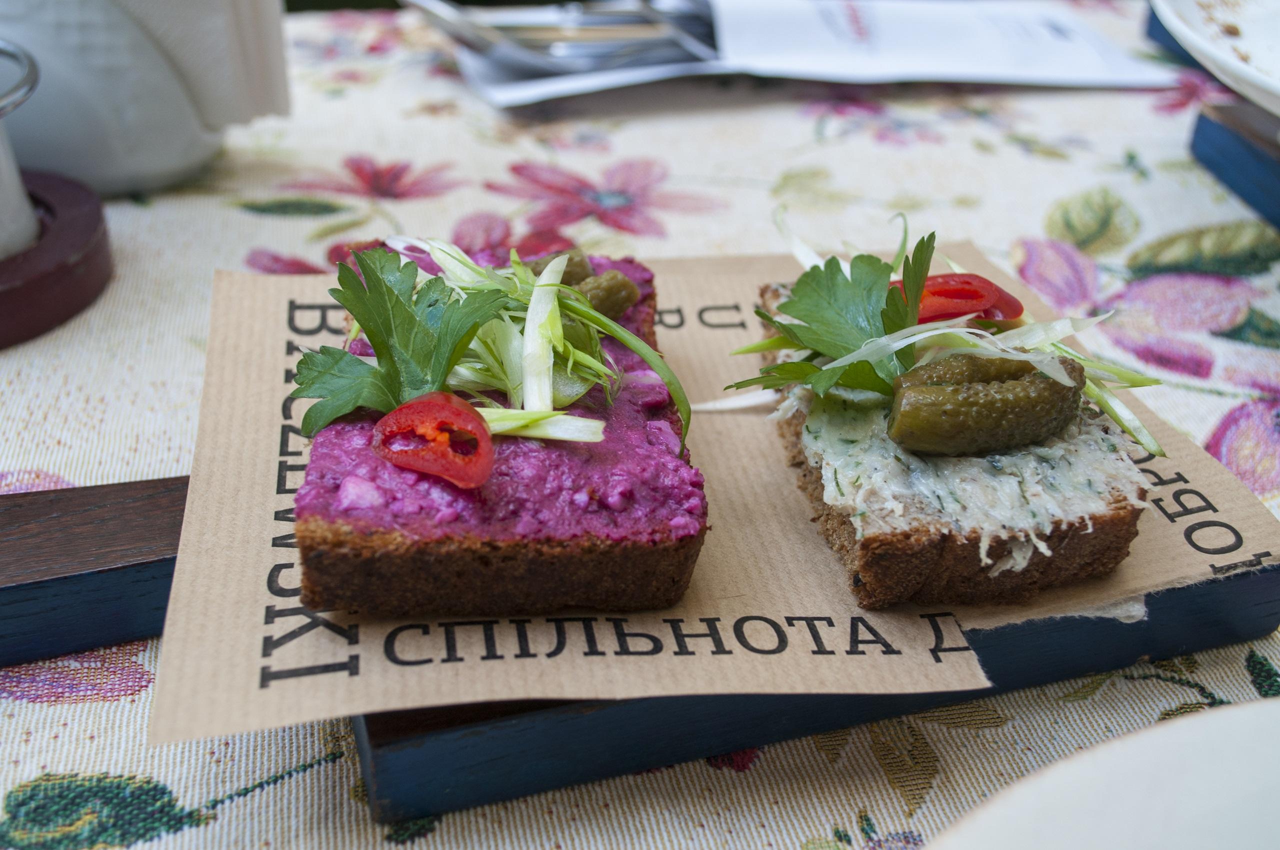 Kuchnia ukraińska - kuchnie świata. Autorzy zdjęcia: Ania i Michał z Petrykivka