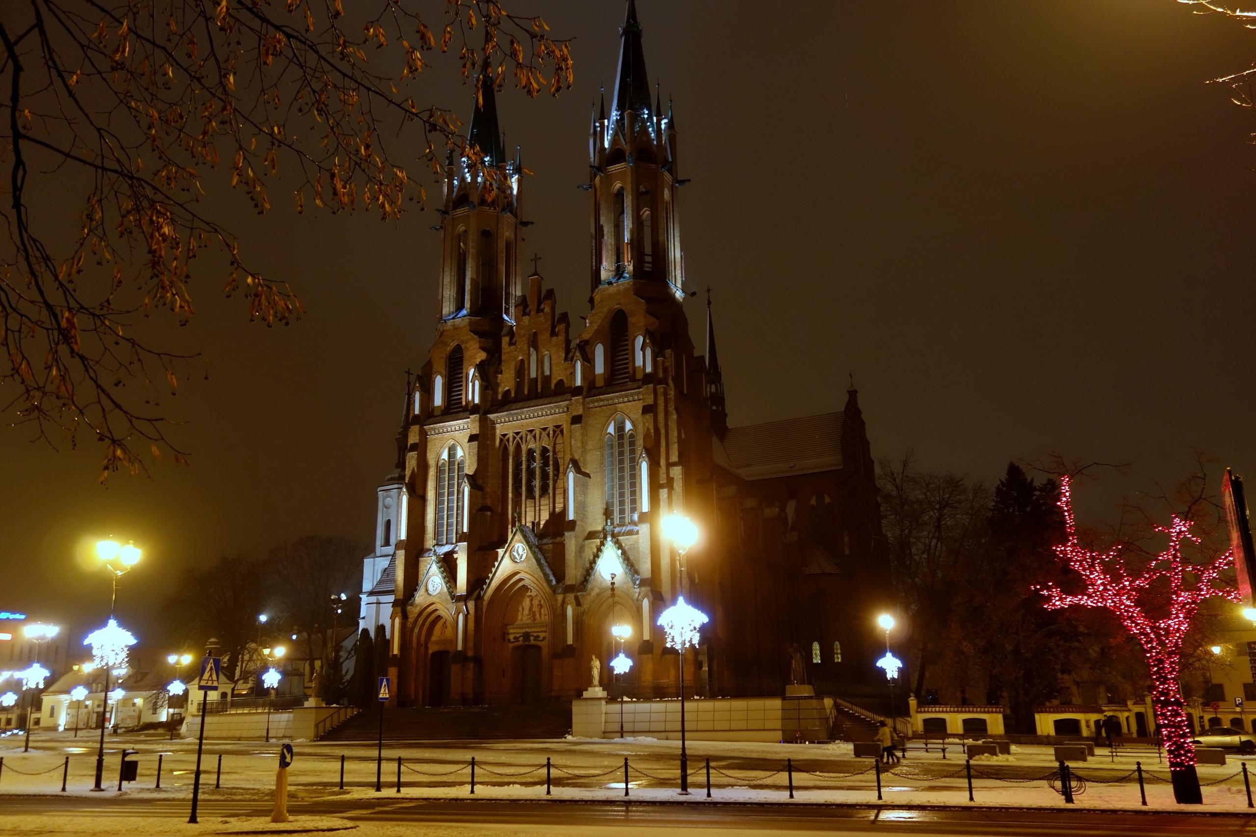 Białystok nocą - Bazylika archikatedralna Wniebowzięcia Najświętszej Maryi Panny w Białymstoku