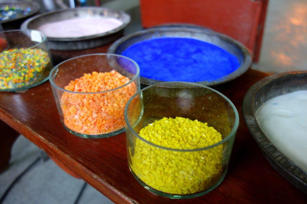 Kolory do barwienia szkła - huta w Olsztynku